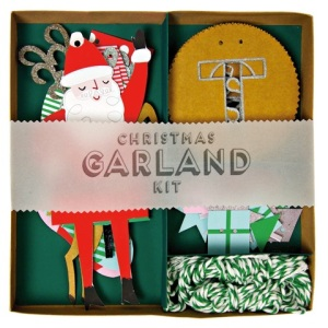 451058 JATW garland