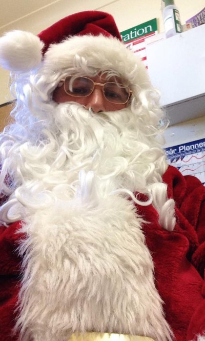 Santa even does selfies!
